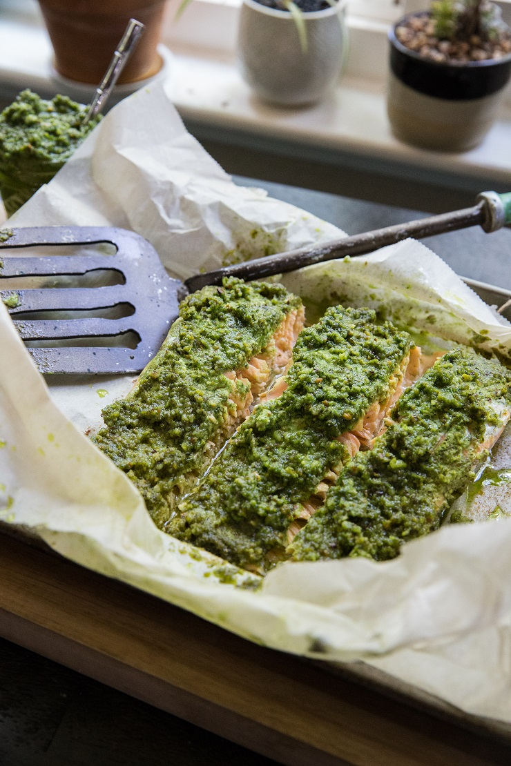 Pesto Salmon in Parchment Paper - a low-carb, keto, paleo dinner recipe | TheRoastedRoot.net